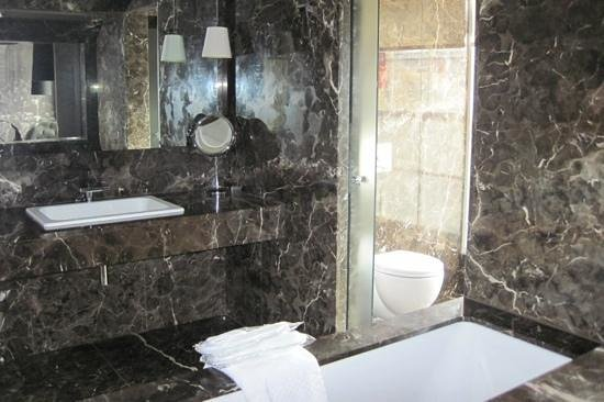 Blythswood Square: marble bathroom