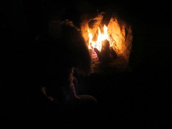 Raquira Silvestre Lodge : Chimenea fuera de nuestra Casita