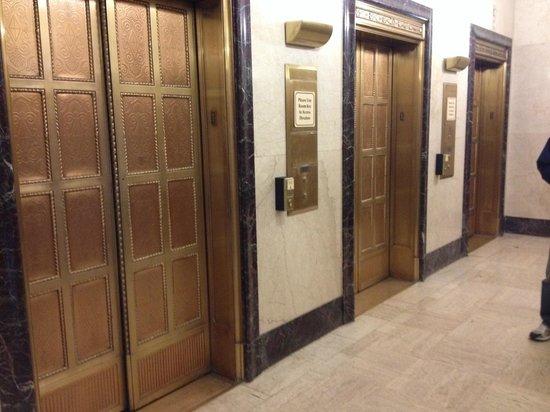 Drury Plaza Hotel San Antonio Riverwalk : Original elevator doors