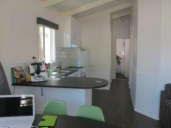 BIG4 Mornington Peninsula Holiday Park: Kitchen