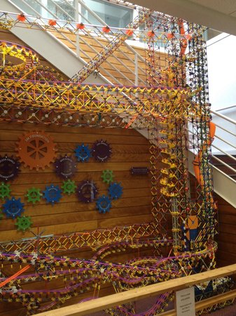 The Works : The biggest k'nex ball machine in the world!