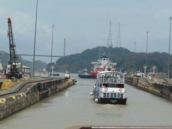 Ivantours Costa Rica and Panama Day Tours: Panama Canal Partial Transit Tour