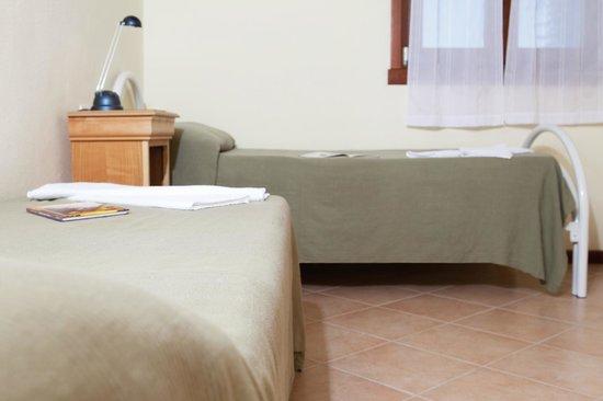 Garda Resort Village: detail twin room