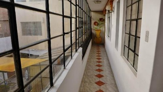 Hotel Puno Terra: Passage to our room