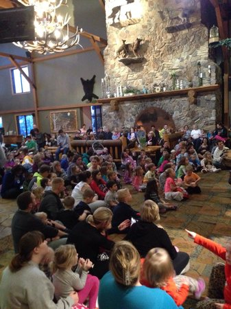 Great Wolf Lodge: Story time on Saturday night