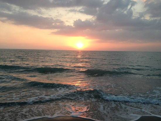 The Mucky Duck: Don't miss the beautiful Captiva sunsets!