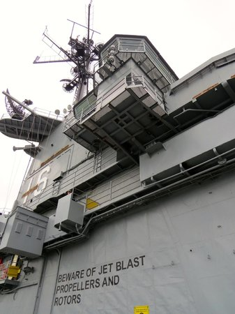 USS LEXINGTON: Upward view