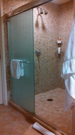 Four Winds Casino : bathroom
