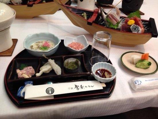 Shimoda Juraku Hotel: 夕食 ボリュームが、多い