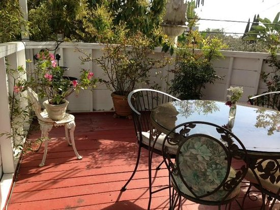 Garden Cottage B & B: Terrace room's private terrace