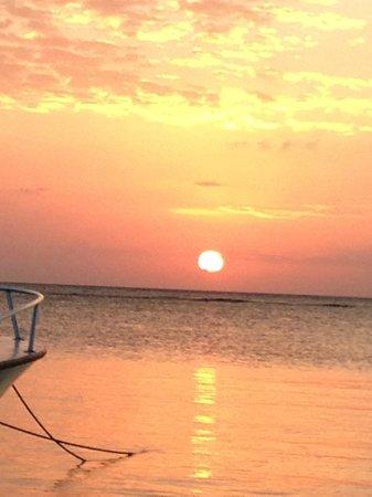 The Beach House : beautiful sunset