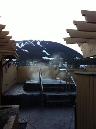 Sundial Boutique Hotel : Hot tub for all hotel guests at the rooftop.