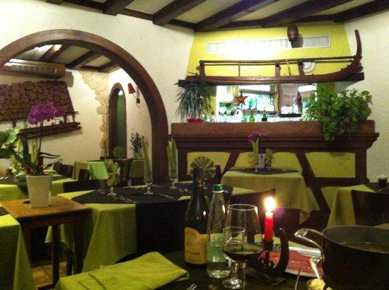 Wistub La Schllitte : Inside the typical restaurant.