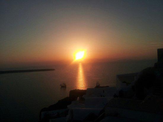 Fanari Restaurant: El amanecer desde la terraza inferior del restaurante