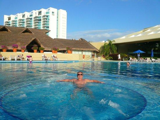 Presidente InterContinental Cancun Resort : Piscina