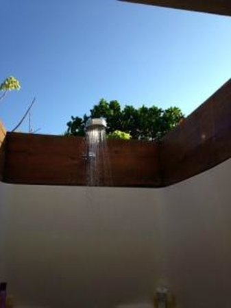 The Beach House: outdoor shower in Room D