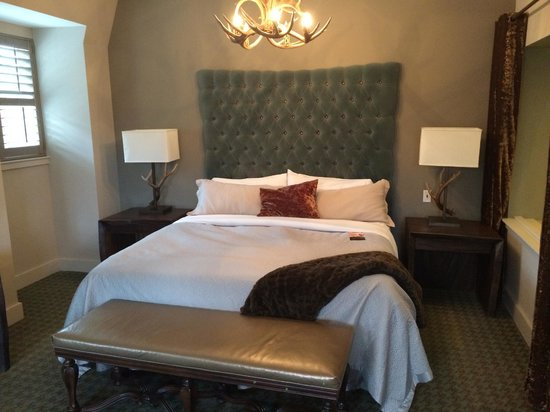 Grand Bohemian Hotel Asheville, Autograph Collection: Suite Room 420
