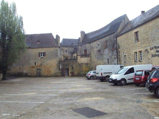 Château de Beynac : Zona de aparcamiento más próxima al castillo.