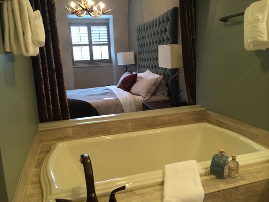 Grand Bohemian Hotel Asheville, Autograph Collection : Suite Room 420