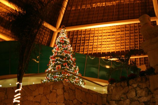 Grand Park Royal Cozumel : Everything was decorated for Christmas