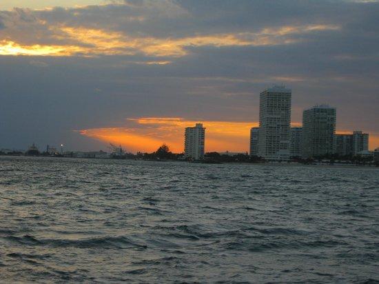 Tropical Sailing: heavenly
