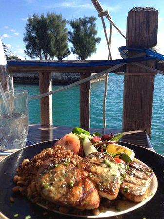 Wahoo's Waterside Bistro & Patio: Delicious wahoo