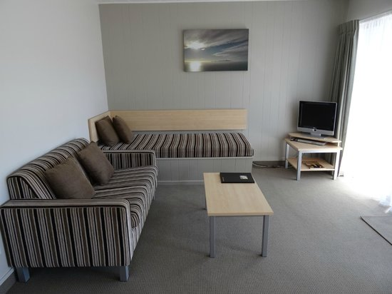 Akaroa Waterfront Motels: Living area