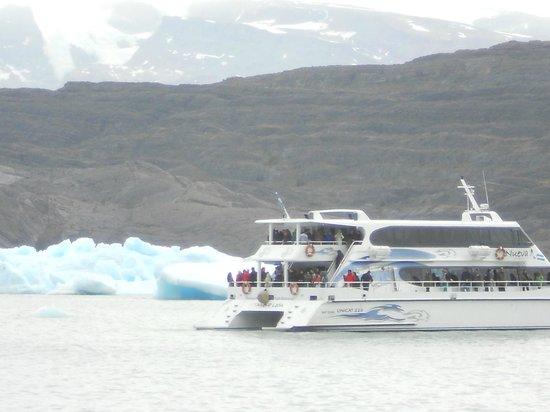 Upsala Glacier: Navegando entre los tempanos