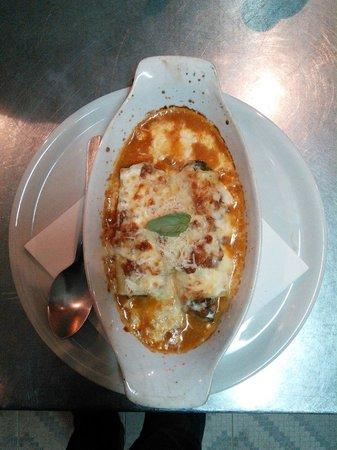 """Pizzeria D""""Alvino: Cannellonni gratinatti al forno"""
