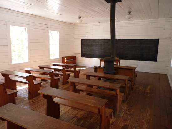 Tallahassee Museum: Inside The Schoolhouse