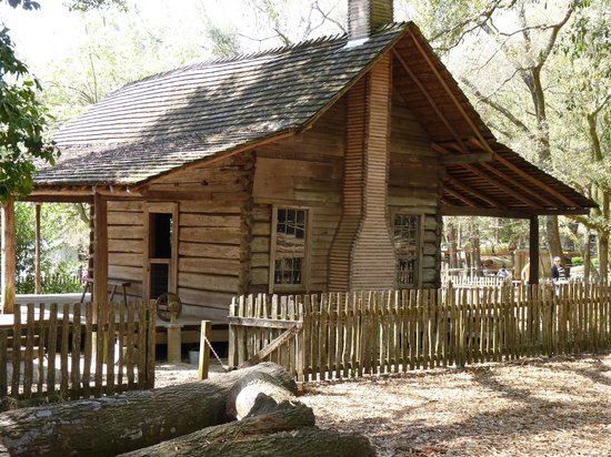 Tallahassee Museum : The McNair-Black Farmhouse, 1880s