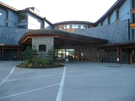 Black Rock Oceanfront Resort : The front entrance