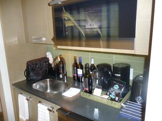 Black Rock Oceanfront Resort : The kitchenette