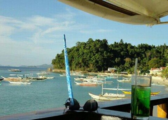Habibi Restaurant & Shisha Cafe: The view from the area was just as relaxing as their refreshments.