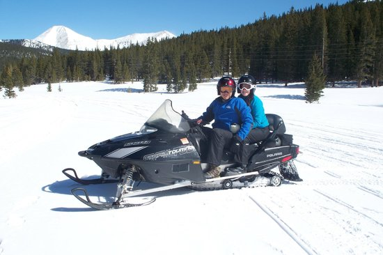 Monarch Snowmobile Tours: Before our Free Ride portion