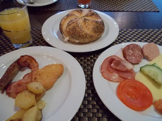 Mercure Hotel Muenchen City Center: 朝食ビュッフェ