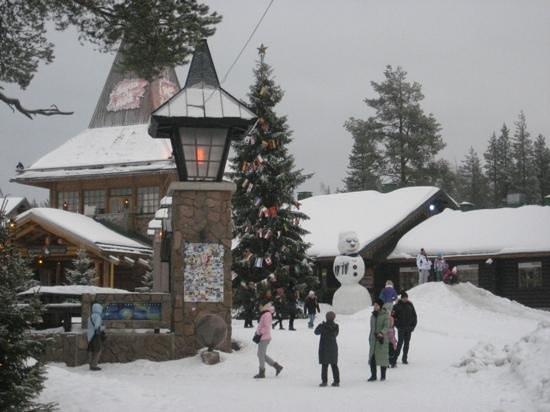 Santa Claus Holiday Village: Santa Village