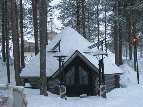 Santa Claus Holiday Village: Old Outpost