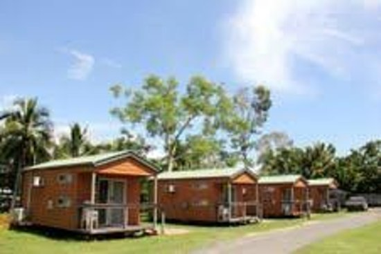 Seabreeze Tourist Park Airlie Beach: fully self contained cabins