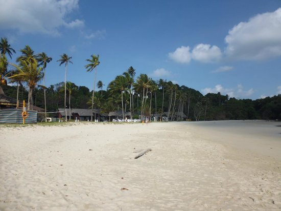 Nirwana Gardens Mayang Sari Beach Resort: View from beach