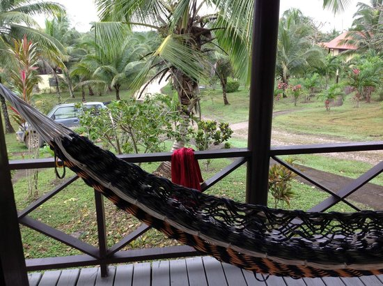 Windy Hill Resort: View from our cabana...well kept grounds, other cabanas well spaced apart