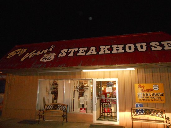 Big Vern's Steakhouse: Outside