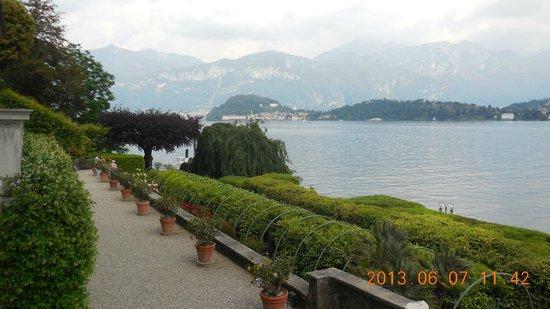 Villa Carlotta: Vista del lago desde jardines