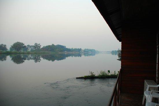 VN Guesthouse: Uitzicht vanop het terras