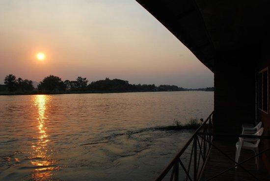 VN Guesthouse: Prachtige zonsondergang