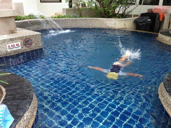 Deevana Plaza Phuket Patong: 子供用プール(60cm)