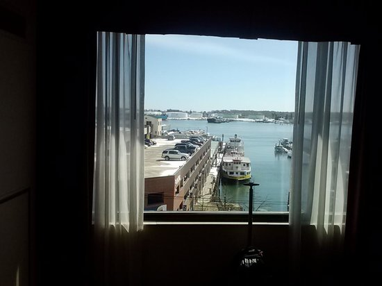 Hilton Garden Inn Portland Downtown Waterfront: view of harbor from room
