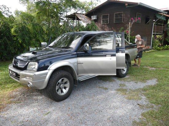 Treetops Lodge: オーナーのMikeさんの車。 ニア洞窟までのツアーはこの車で連れて行ってもらいました。