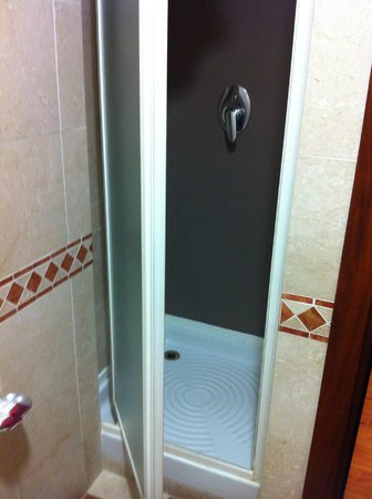 Hotel Del Corso: super small shower