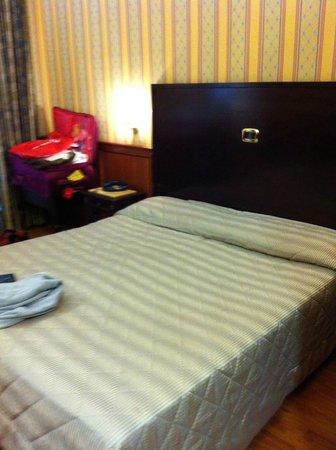 Hotel Del Corso: room in old building